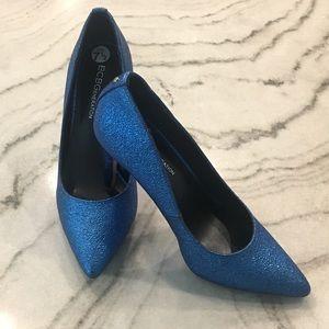 BCBGeneration// Heidi blue pointed heel, size 7.5